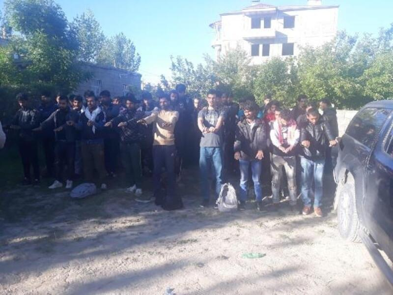 Van'da 126 kaçak göçmen yakalandı