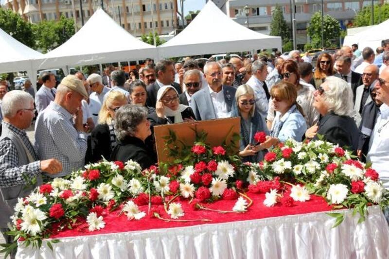 Eski belediye başkanı Turgay için tören düzenlendi