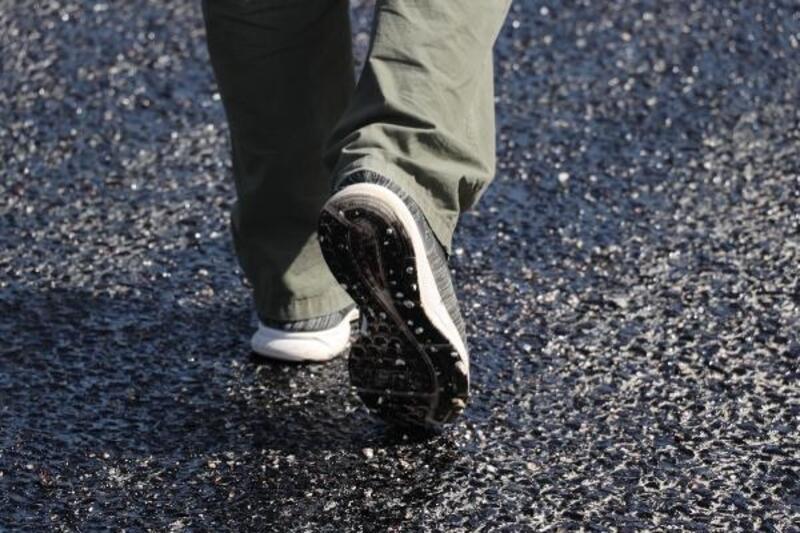 Denizli'de sıcaktan asfalt eridi