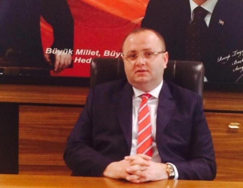 AK Parti İzmir eski İl Başkan Yardımcısına silahlı saldırı