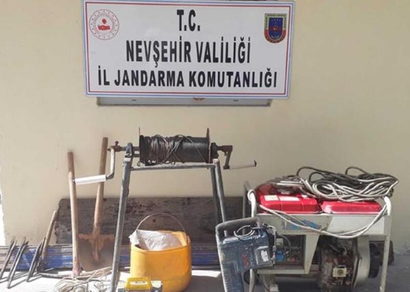 Avanos'ta kaçak kazı yapan 5 kişiye suçüstü