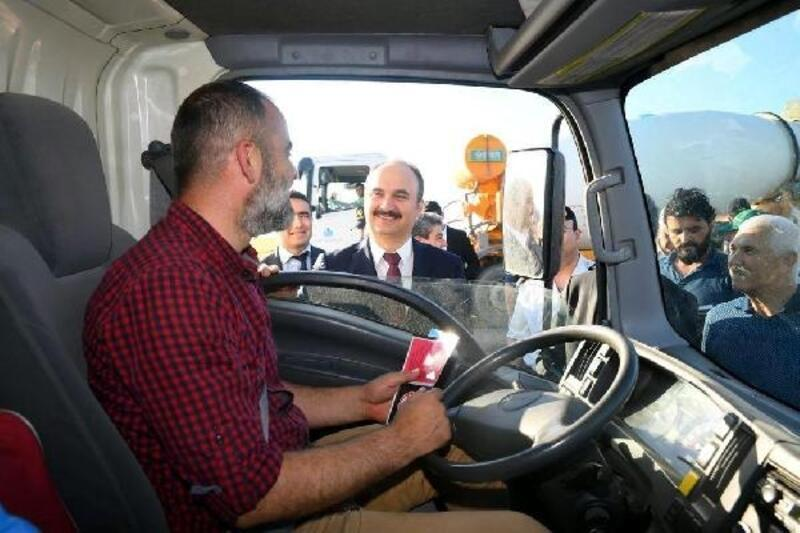 Vali Canalp, trafik kontrolü uygulamalarına katıldı