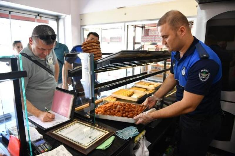 Bursa'da zabıta ekiplerinden fırın ve pastanelere denetim