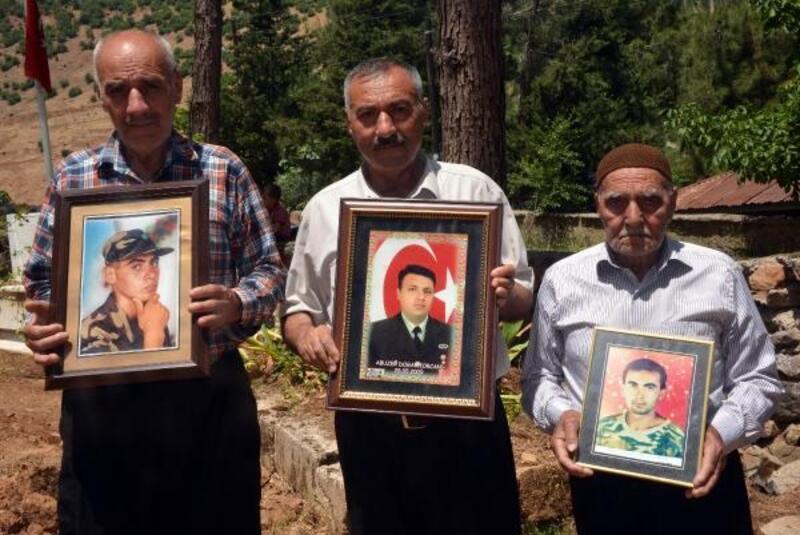 Şehit babası 3 kardeş, evlatlarıyla gururlu