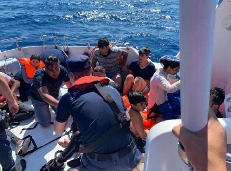 Datça'da 14 kaçak kurtarıldı