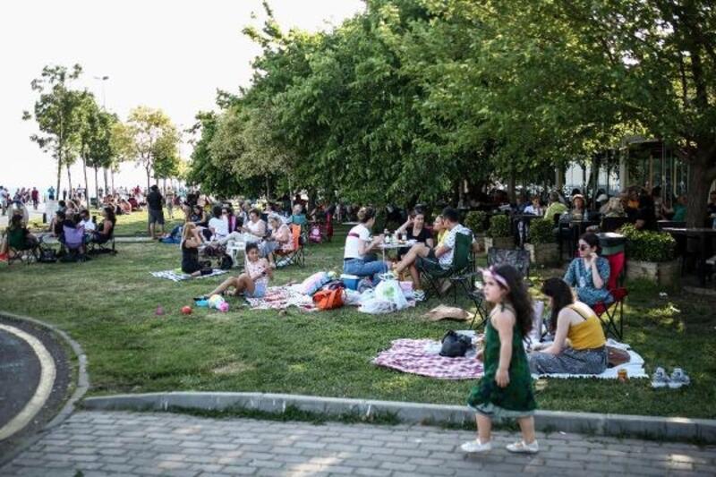İstanbullu hafta sonu sahilleri doldurdu