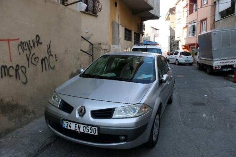 Kaçırılmak istenen kişi hareket halindeki araçtan atladı