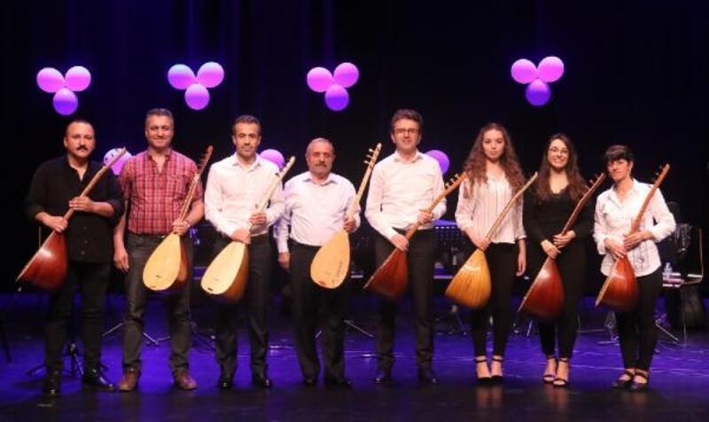 Ataşehir'de öğrenciler yeteneklerini sergiledi