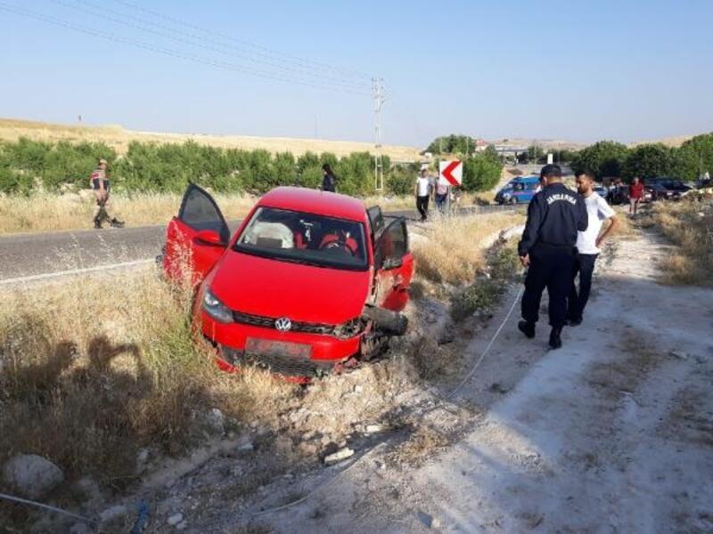 Adıyaman'da iki otomobil çarpıştı 6 kiş yaralandı