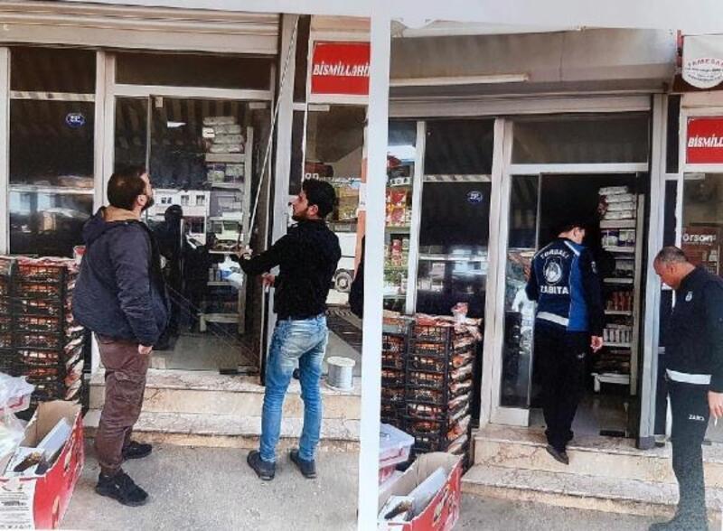 Torbalı'da Suriyeliler'e ait ruhsatsız işletmeler Belediye tarafından kapatıldı