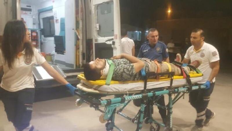 Hafif ticari araç ile çarpışan motosikletin sürücüsü yaralandı