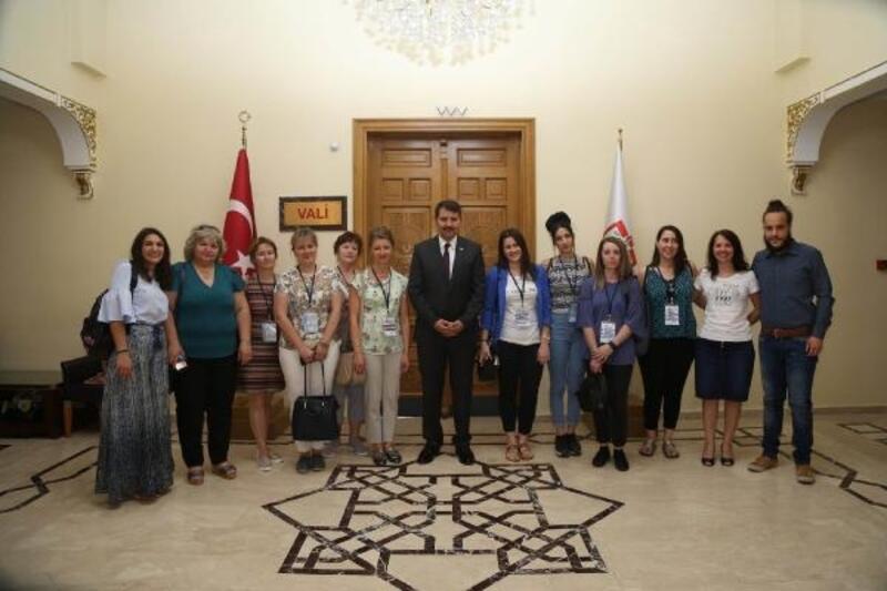 Yabancı öğretmenler Vali Ayhan'ı ziyaret etti