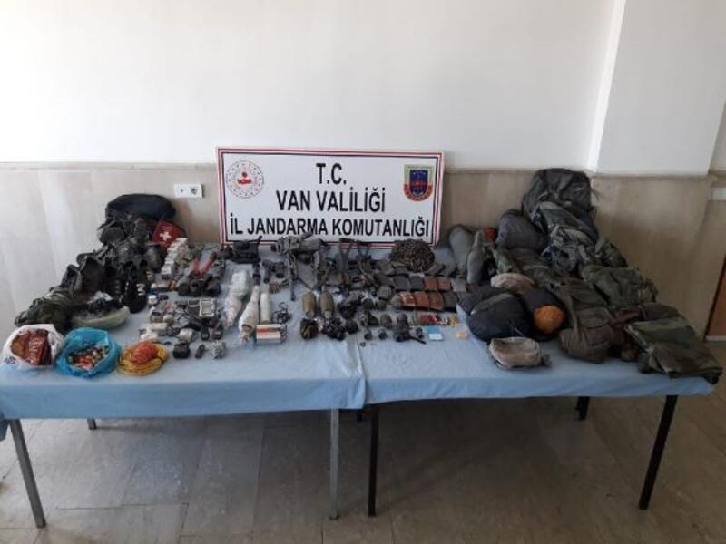 4 PKK'lının öldürüldüğü Tendürek'te, silah ve mühimmat ele geçirildi