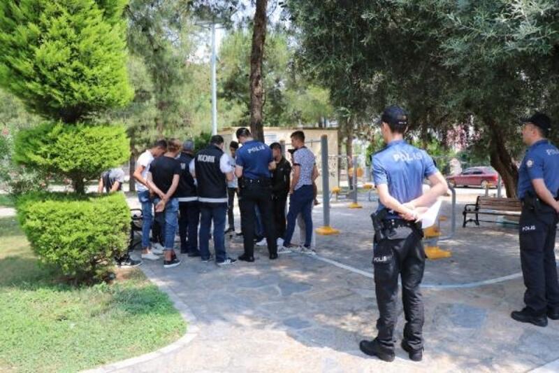 Emniyet ve jandarmadan 81 ilde uygulama: Aranan 1147 kişi yakalandı