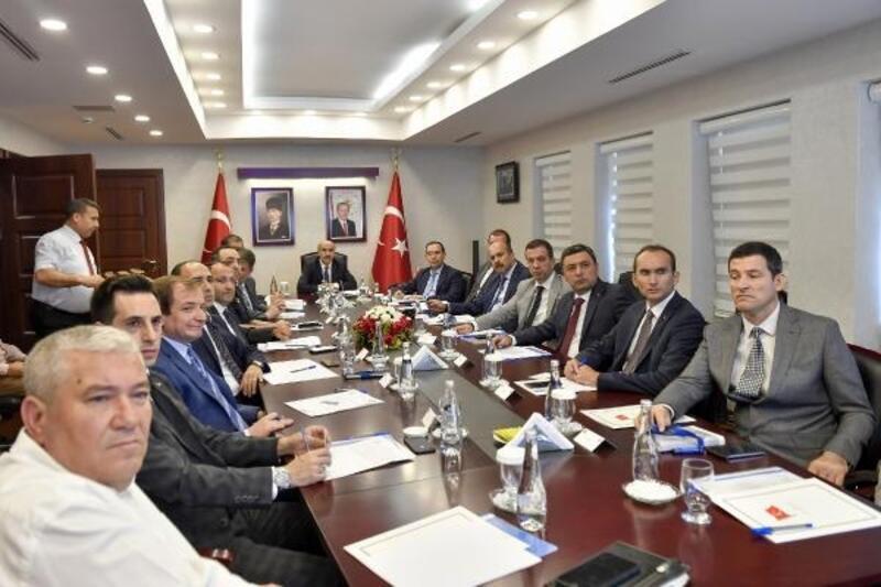 Vali Demirtaş: Bağımlılıkla mücadele hız kesmeden devam ediyor