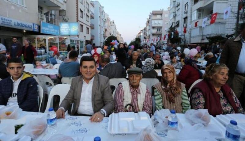 Kepez'in gönül sofraları 100 bin kişiyi buluşturdu