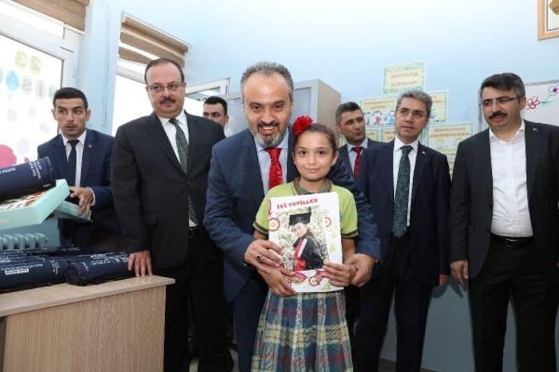 Bursa Belediyespor Kulübü karnesini alan çocukların alternatifi