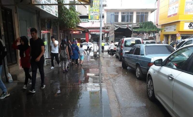 İslahiye'de yağmur hayatı olumsuz etkiledi