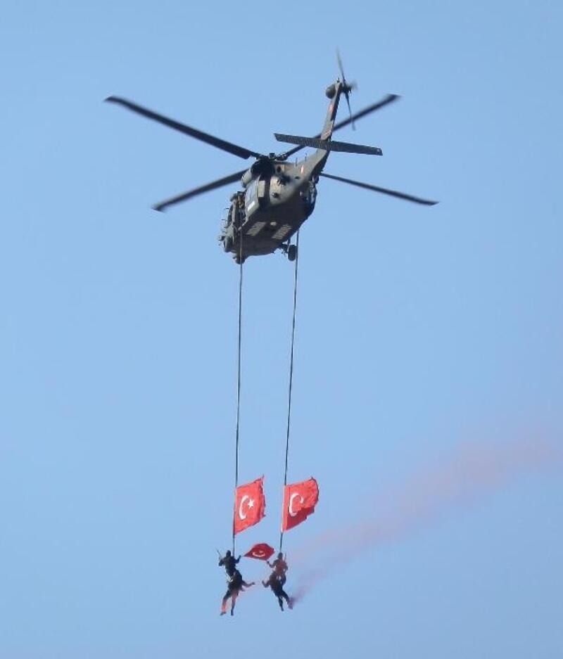 Denizde, havada, karada jandarmanın kuruluş yıl dönümü kutlaması