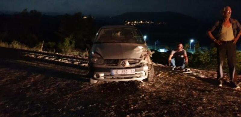 Bursa'da iki otomobilin çarpıştığı kazada eski belediye başkanı öldü, 4 kişi yaralandı