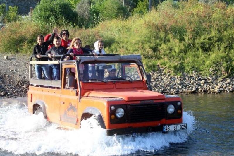 Marmaris'te turistler, cip safariyle eğleniyor