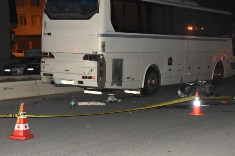 Motosiklet park halindeki otobüse çarptı: 1 ölü, 1 ağır yaralı