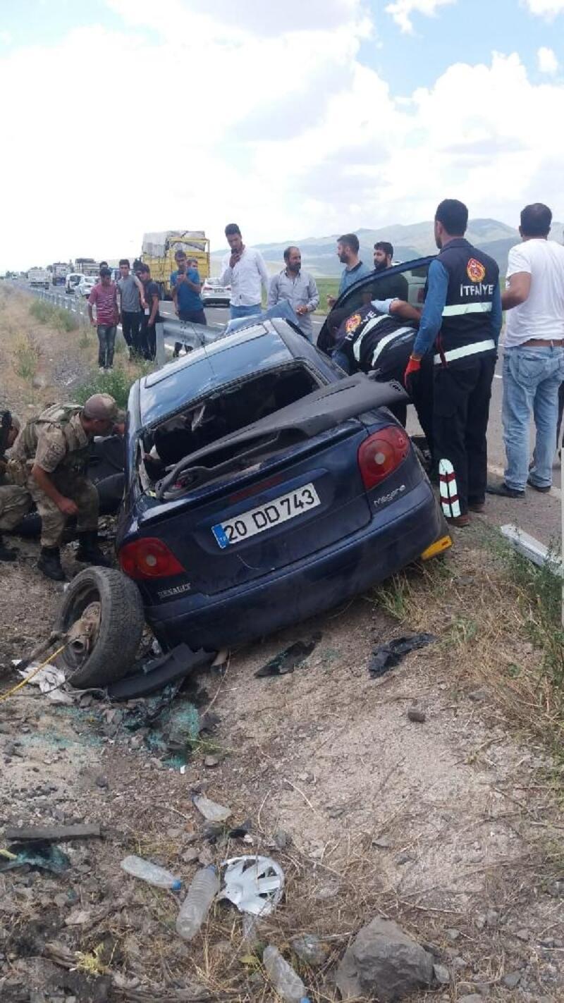 Bariyer otomobile saplandı: 1 kişi öldü, 2 kişi yaralandı