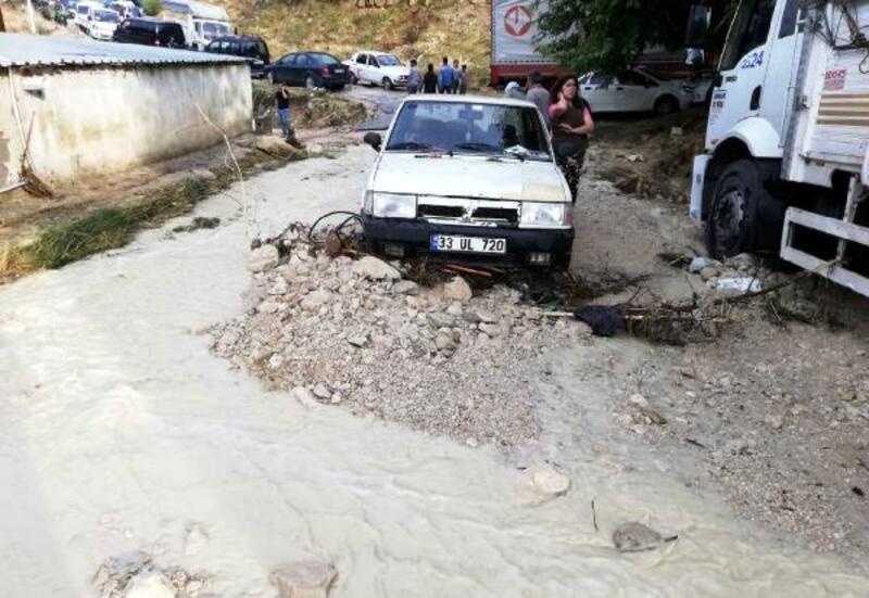 Mut'ta sel nedeniyle içme suyunun kullanılmaması istendi