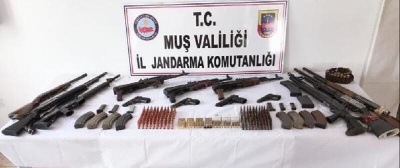 Muş'ta jandarmadan operasyon: 5 gözaltı