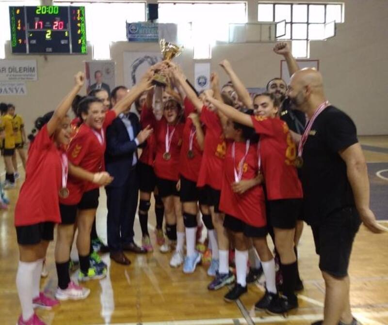 Minik kızlar Türkiye hentbol şampiyonası tamamlandı