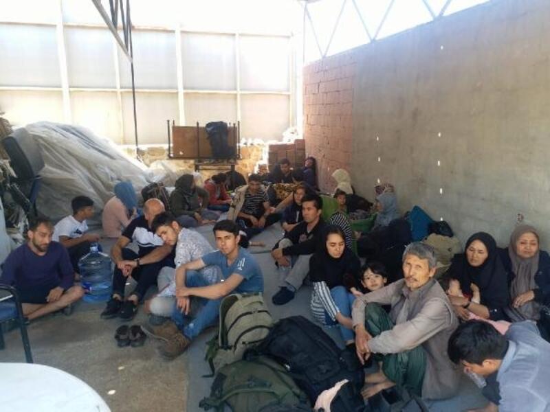 Balıkesir'de 40kaçak göçmen ile 1organizatör yakalandı