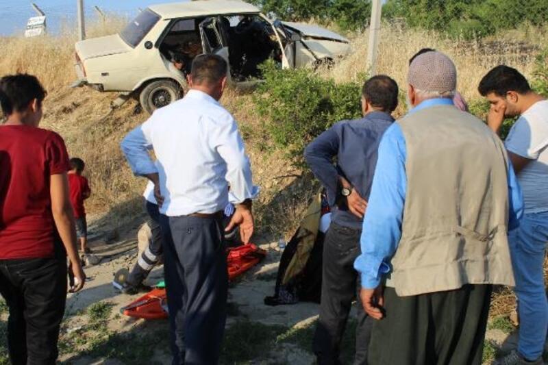 Adıyaman'da şarampole devrilen otomobildeki 6 kişi yaralandı