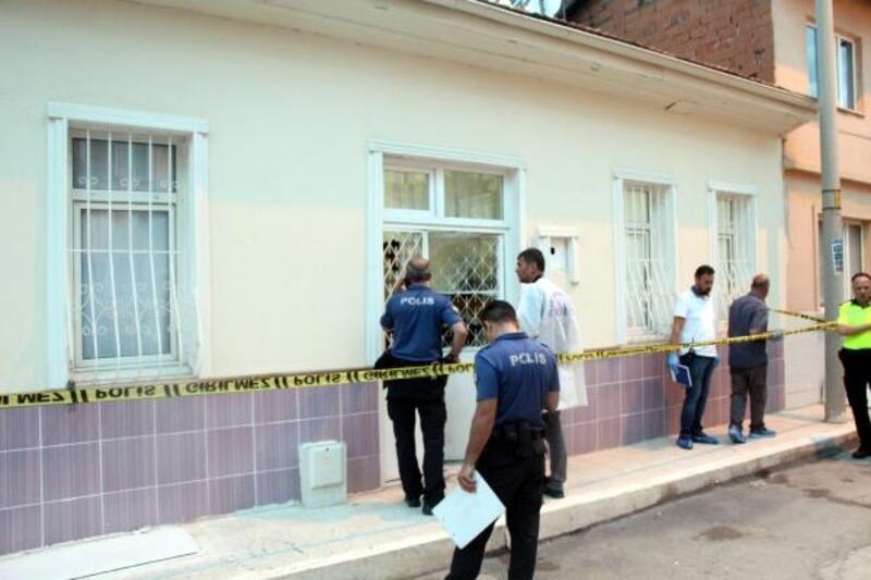 Kendisinden iki gündür haber alınamayan kadın evinde ölü bulundu
