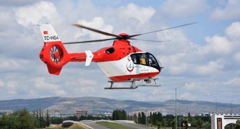 Ambulans helikopter böbrek hastası için havalandı