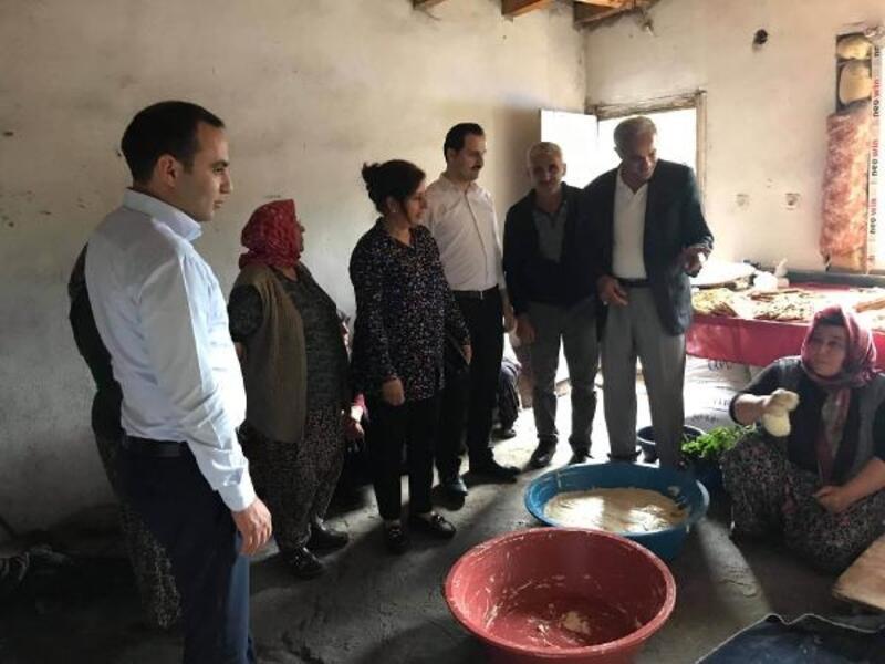 Koyulhisar Kaymakamından köy ziyaretleri