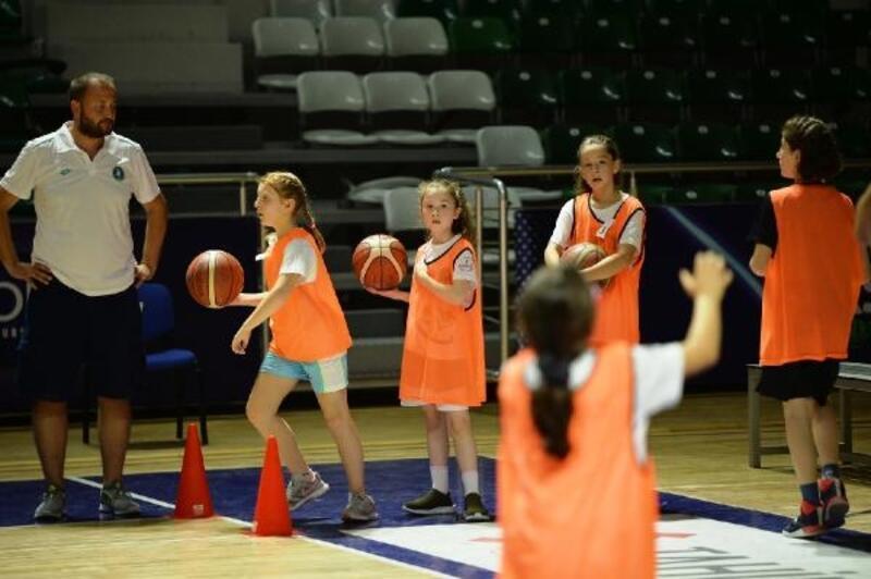 Büyükşehir'in basketbol seçmelerine yoğun ilgi