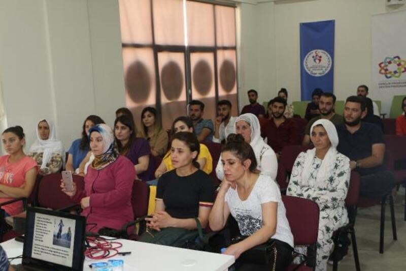 Silopi'de, kadınlara 'çocuk istismarı' semineri