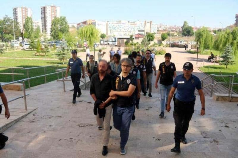 Sivas'ta yasa dışı bahis operasyonu: 11 gözaltı