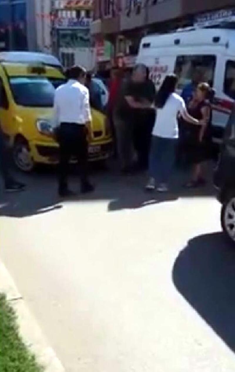 Taksi şoförü ile kadın sürücü trafikte tartıştı