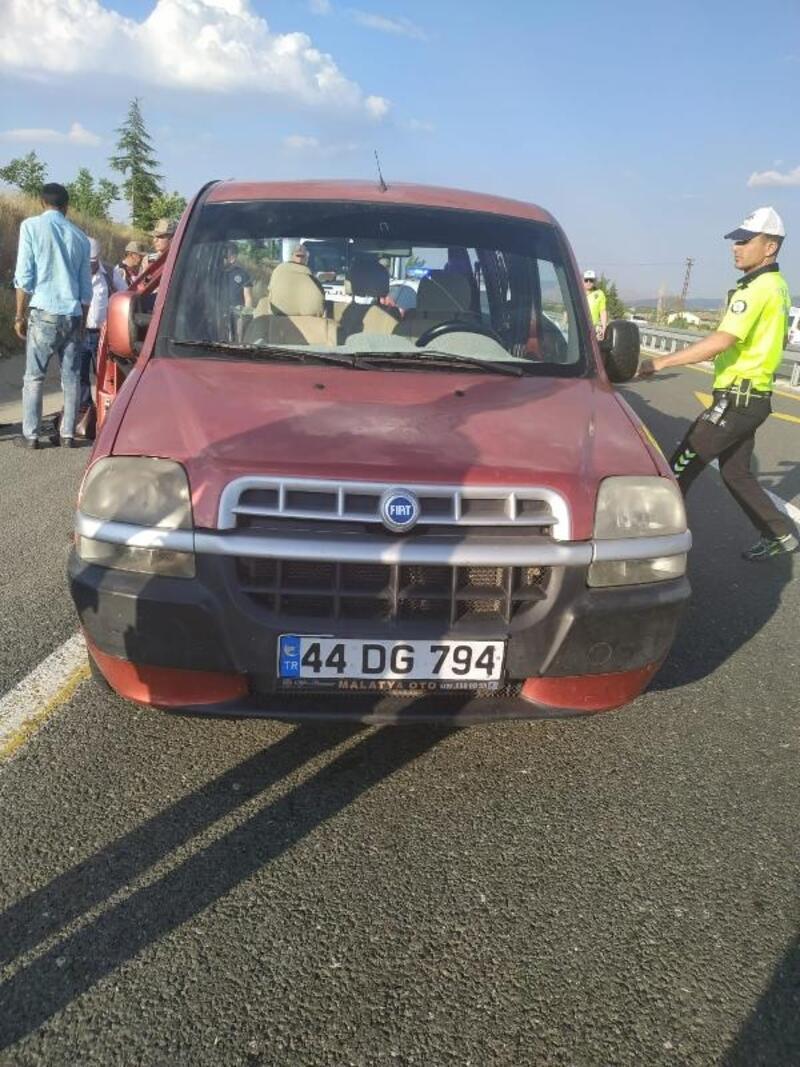 Elazığ'da trafik kazası: 1 ölü, 3 yaralı