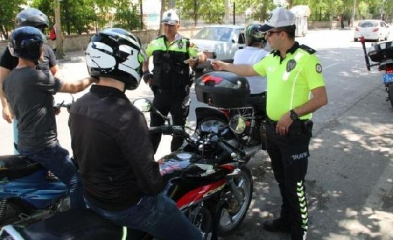 Emniyetten turizm bölgelerinde 'motosiklet- kask' denetimi