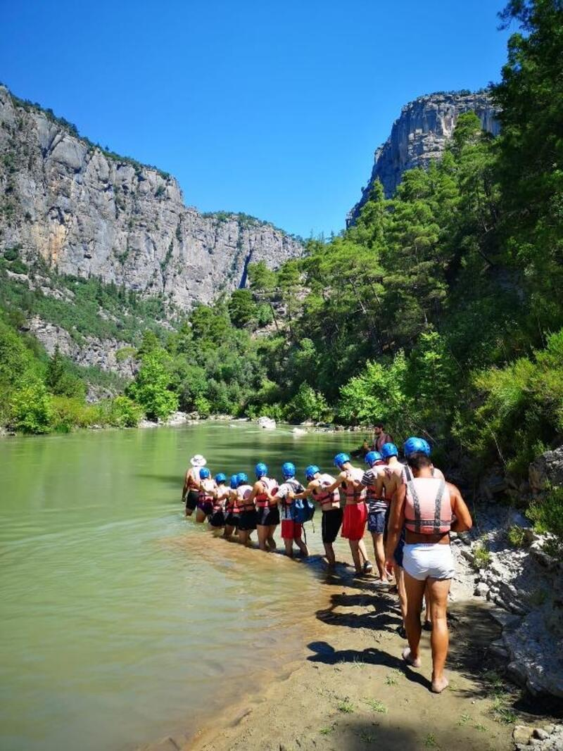 Komando eğitimini aratmayan doğa kampı