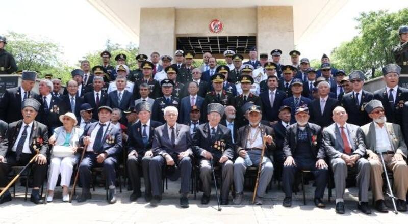 Kore'de savaşan Türk askerleri anıldı