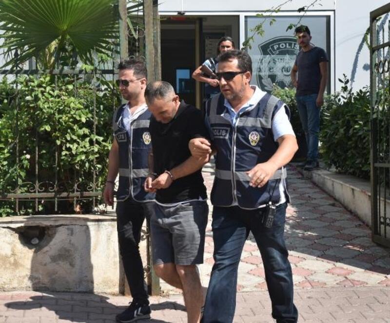 Yardım bahanesiyle iki turisti 60 bin lira dolandırdı