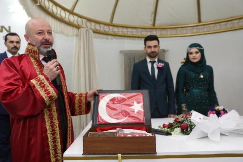 Kocasinan'da 6 ayda bin 255 çift evlendi