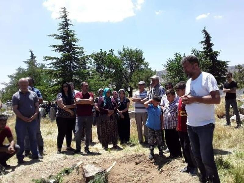 Tiyatrocu Mevlüt Demiryay, Niğde'de toprağa verildi