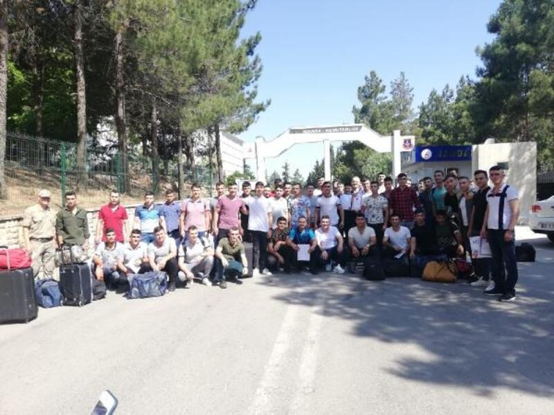 Kilis'te, 250 asker terhis oldu