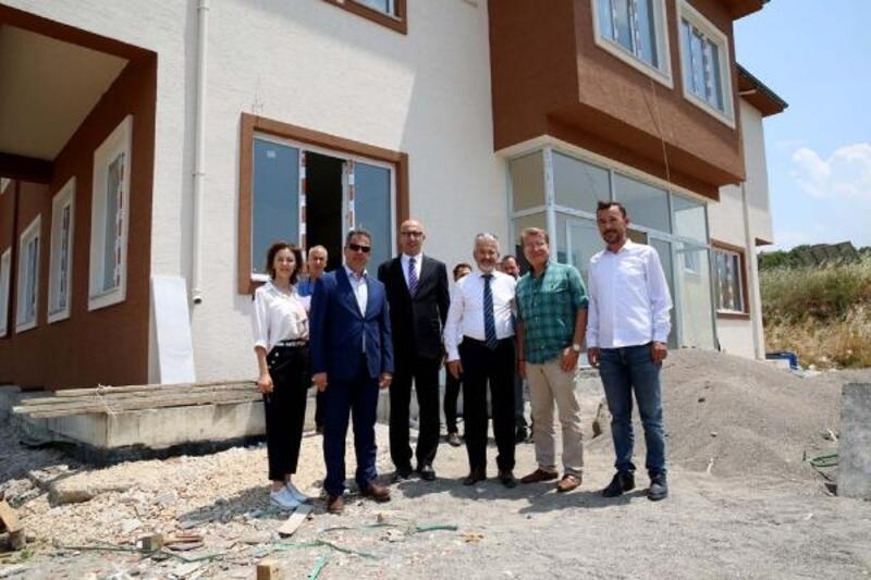 Başkan Erdem, Aile Sağlığı Merkezi'ni inceledi