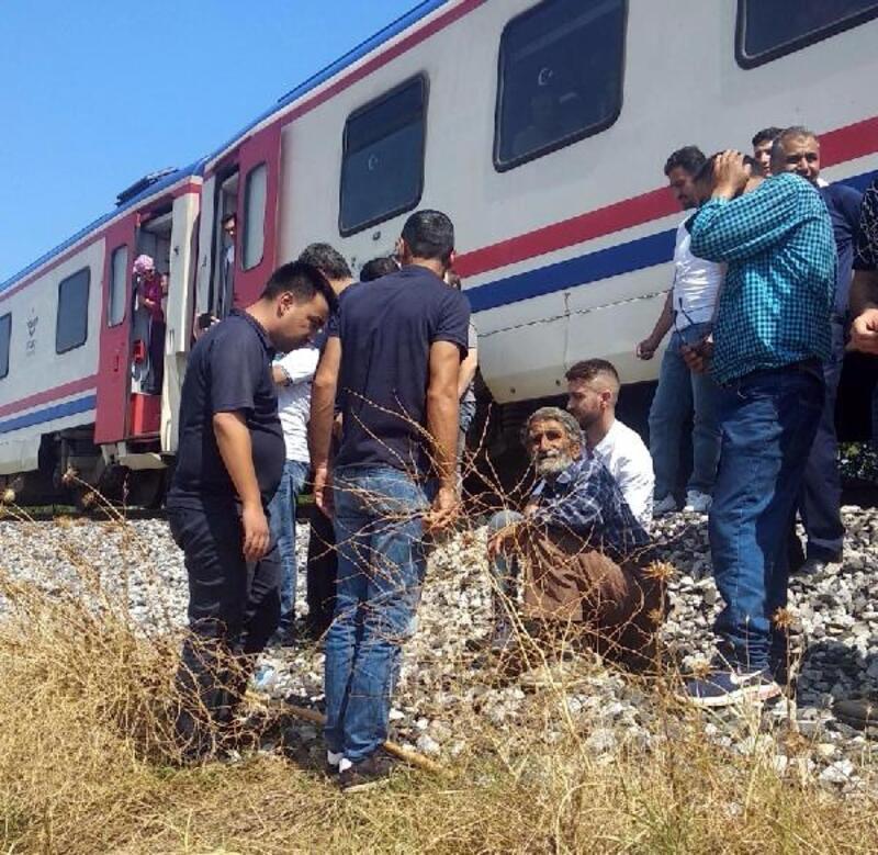 Yolcu treninin çarptığı çoban yaralandı