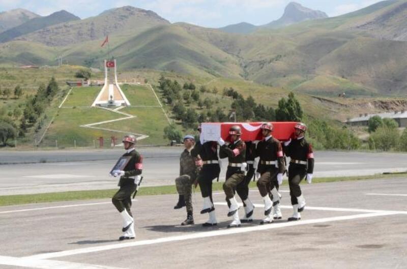 Hakkari'de Şehit Piyade Onbaşı Önlemeç için tören